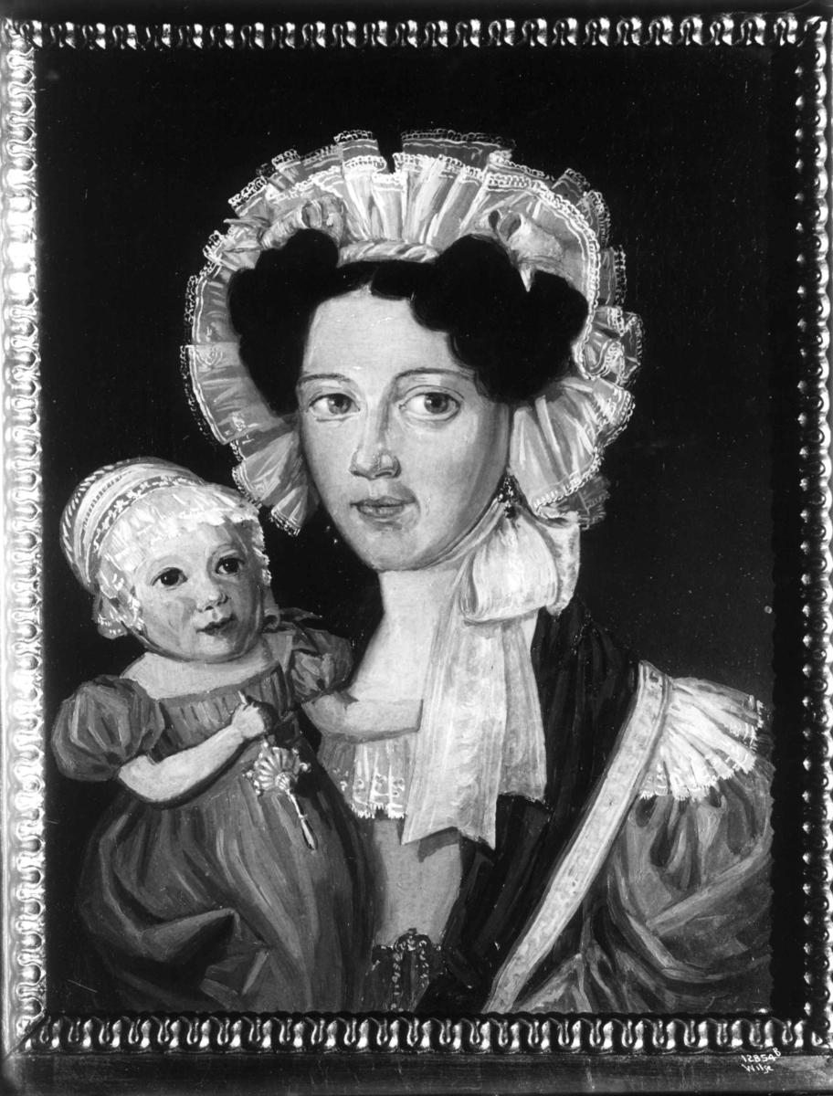 Marianne Stephansen, f. Jørgensen, 1830-årene, Arendal - Aust-Agder  og datter Elina. Moren 1802-86 Datteren 1829-1906 M.S. gift med Christian Stephansen, skipsreder. Datteren ble gift Eyde, mor til Sam Eyde.