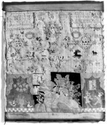 Navneduk fra 1763 brodert med korssting, petits points, plat