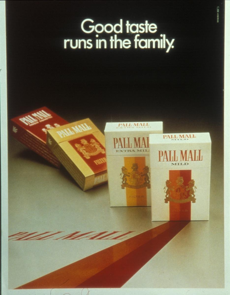 Avfotografert reklameplakat for Pall Mall sigaretter. Bilde fra foredrag om lønnsomheten ved salg av tobakk i 1982.