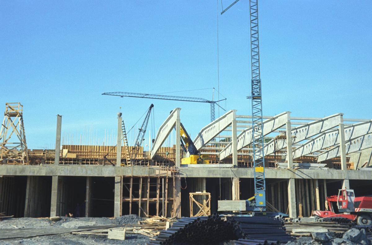 Bygningskonstruksjon. Utvidelse av Tiedemanns Tobaksfabrik på Hovin.