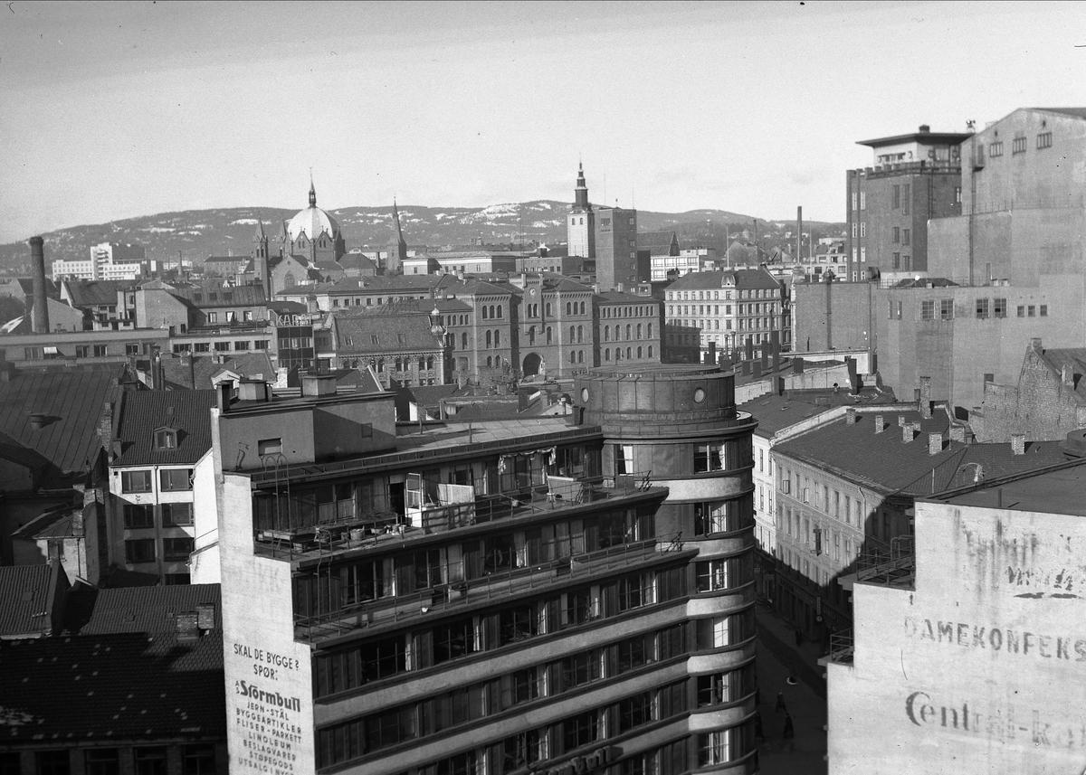 Hotell Viking, Oslo, mai 1957. Bygning. Bybilde.