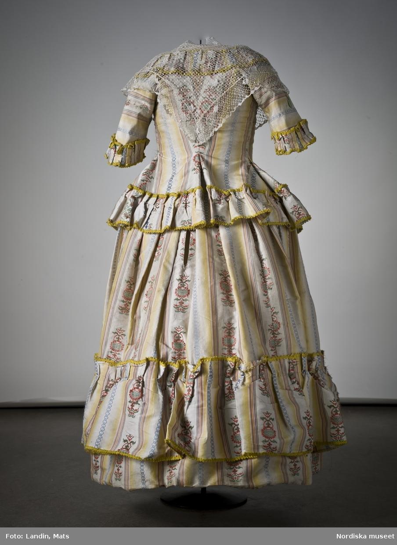 Flickdräkt av siden. 1770-80-tal. Nordiska museet inv nr 171127.