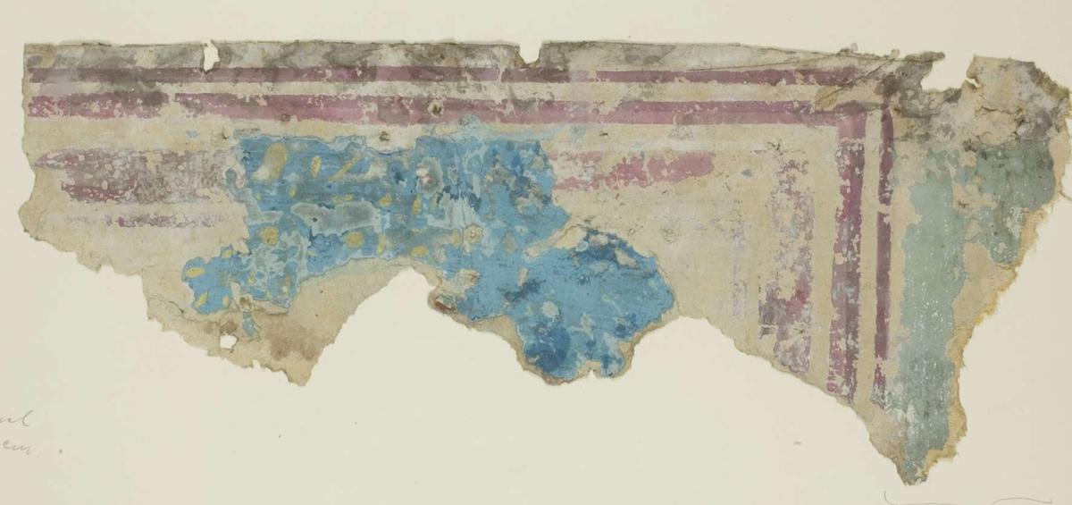 Tapetprovet består av mönster i rosa, blågrönt, gult och två nyanser blått. De blå och gula färgerna tillhör ett övre tapetlager med stänk.