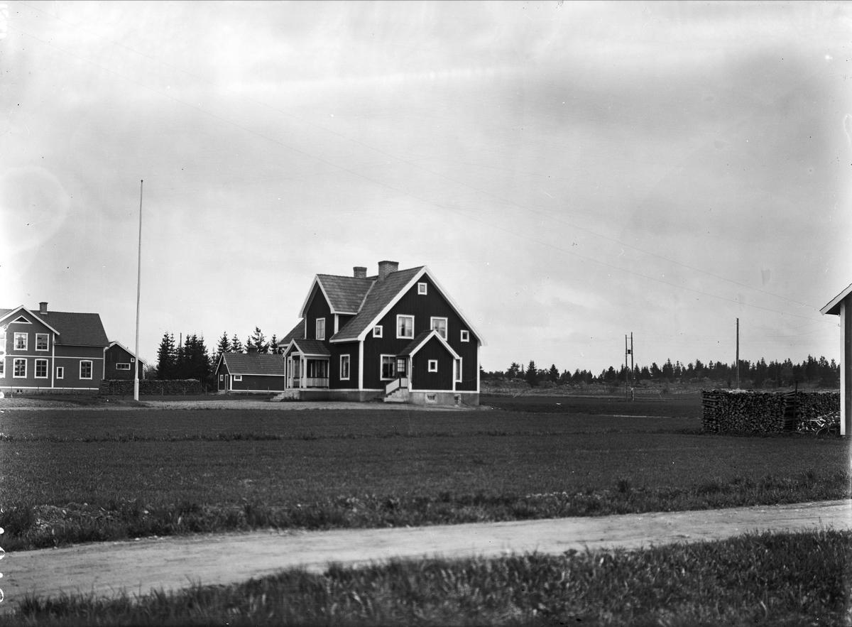 """""""Arrendatorsbostaden vid prästgården i Frösthult"""", Uppland 1927"""