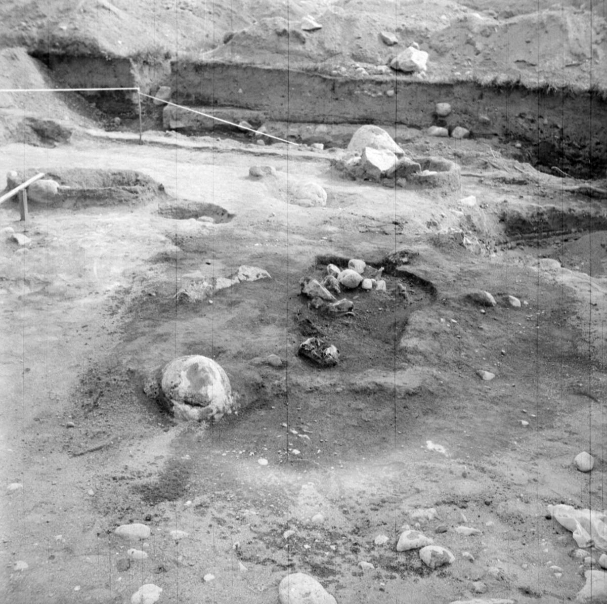 Prästgården, grav 9 - Arkeologi Gamla Uppsala 1973