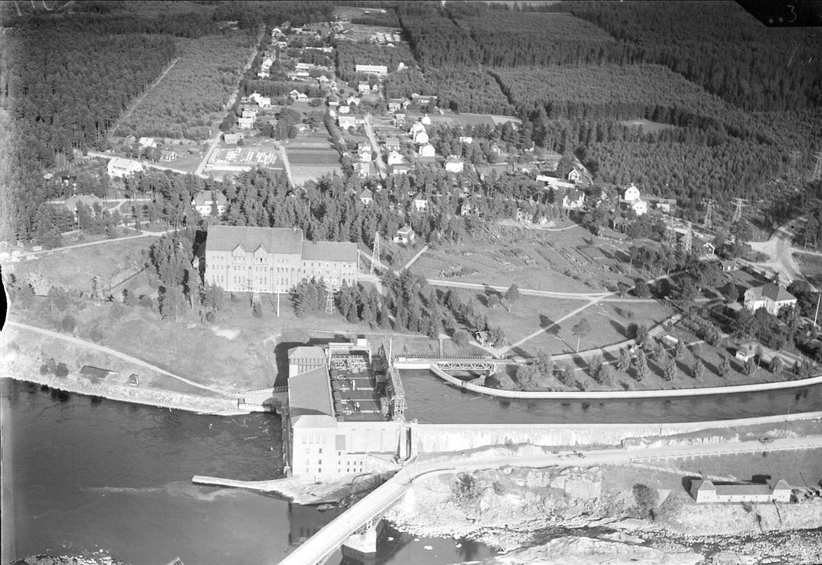 Flygfoto över Älvkarleby och Älvkarleby vattenkraftverk, Älvkarleby socken, Uppland 1936