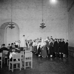 Siljanskören uppträder i Rikssalen på Uppsala slott, april 1