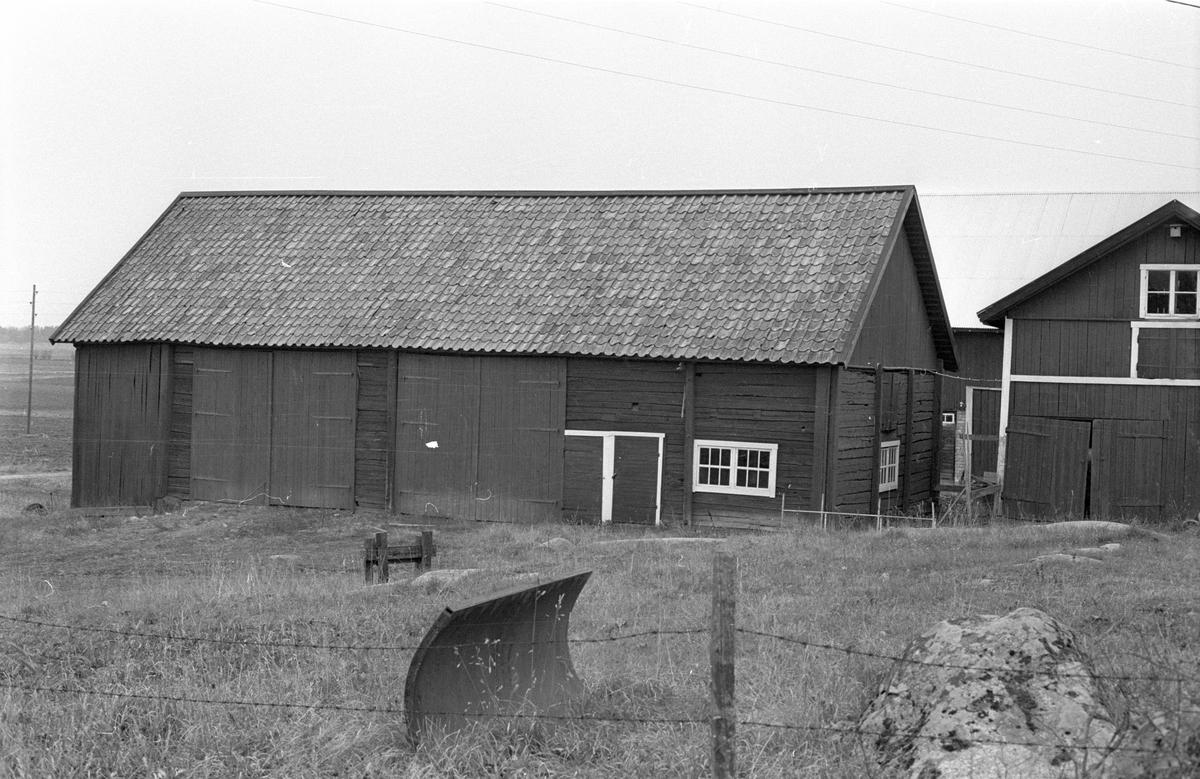 Lada, Knivsbrunna, Danmarks socken, Uppland.