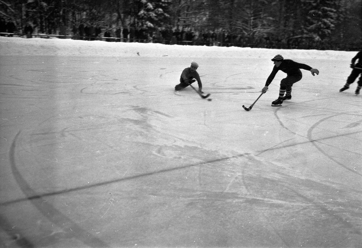 Bandymatch - IFK Uppsala mot Söderfors GoIF i januari 1951