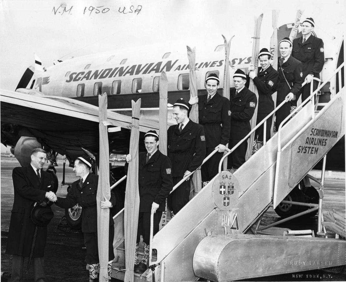 Det norske hopplaget til VM i USA 1950. The Norwegian jumping team to the World Championship in the USA 1950.