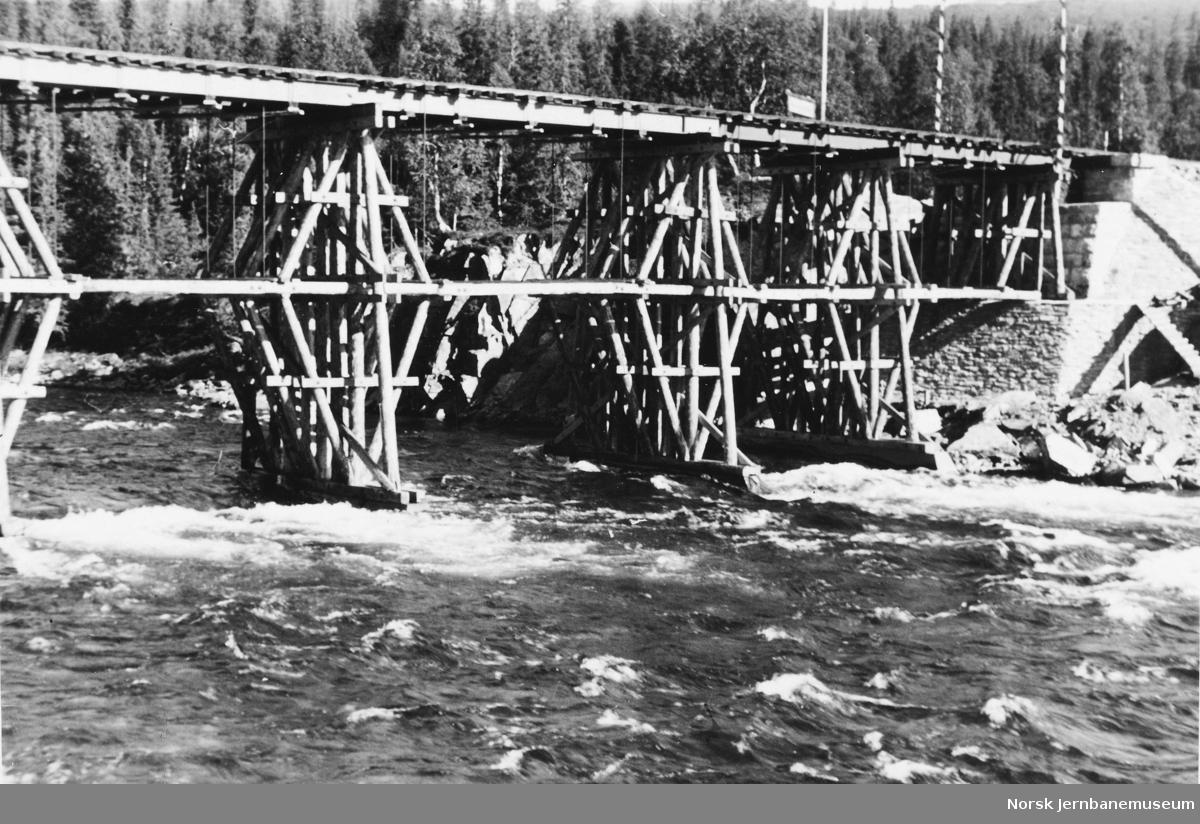 Bru over Namsen ved Snåsamoen : provisorisk tysk bru, Pionier-Franz-Berger-Brücke