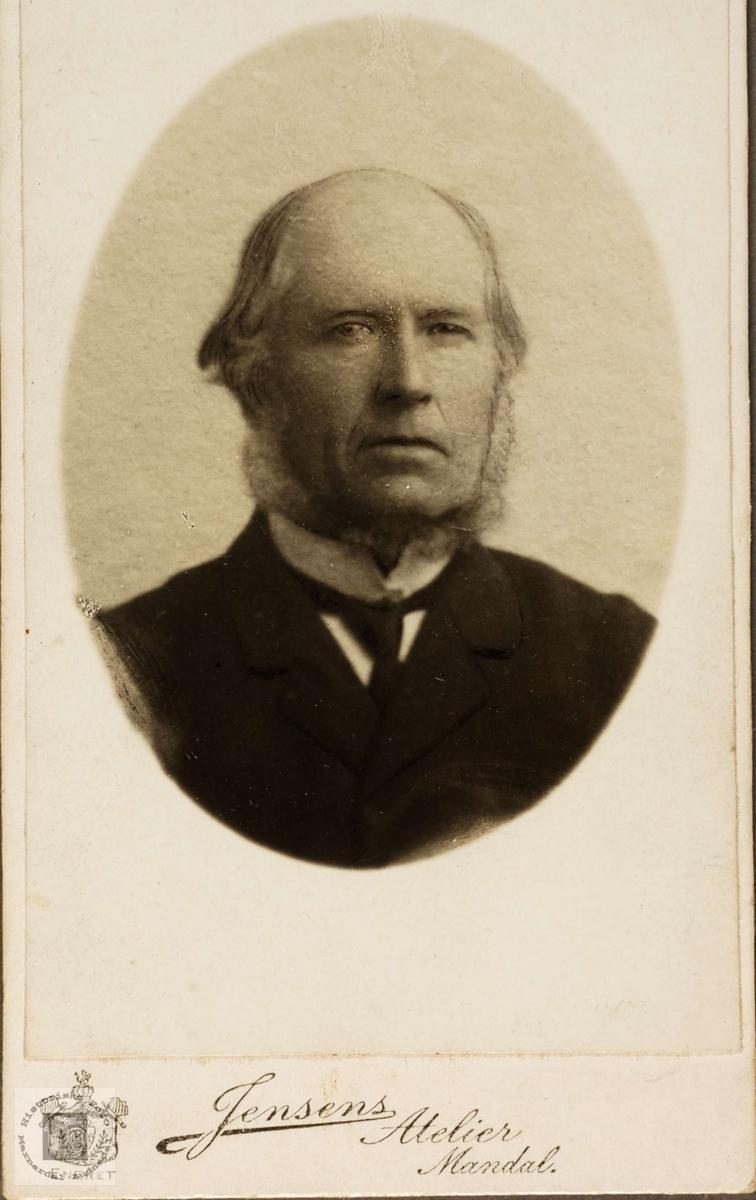 Portrett av Abraham Sveindal Ubostad fra Grindheim.