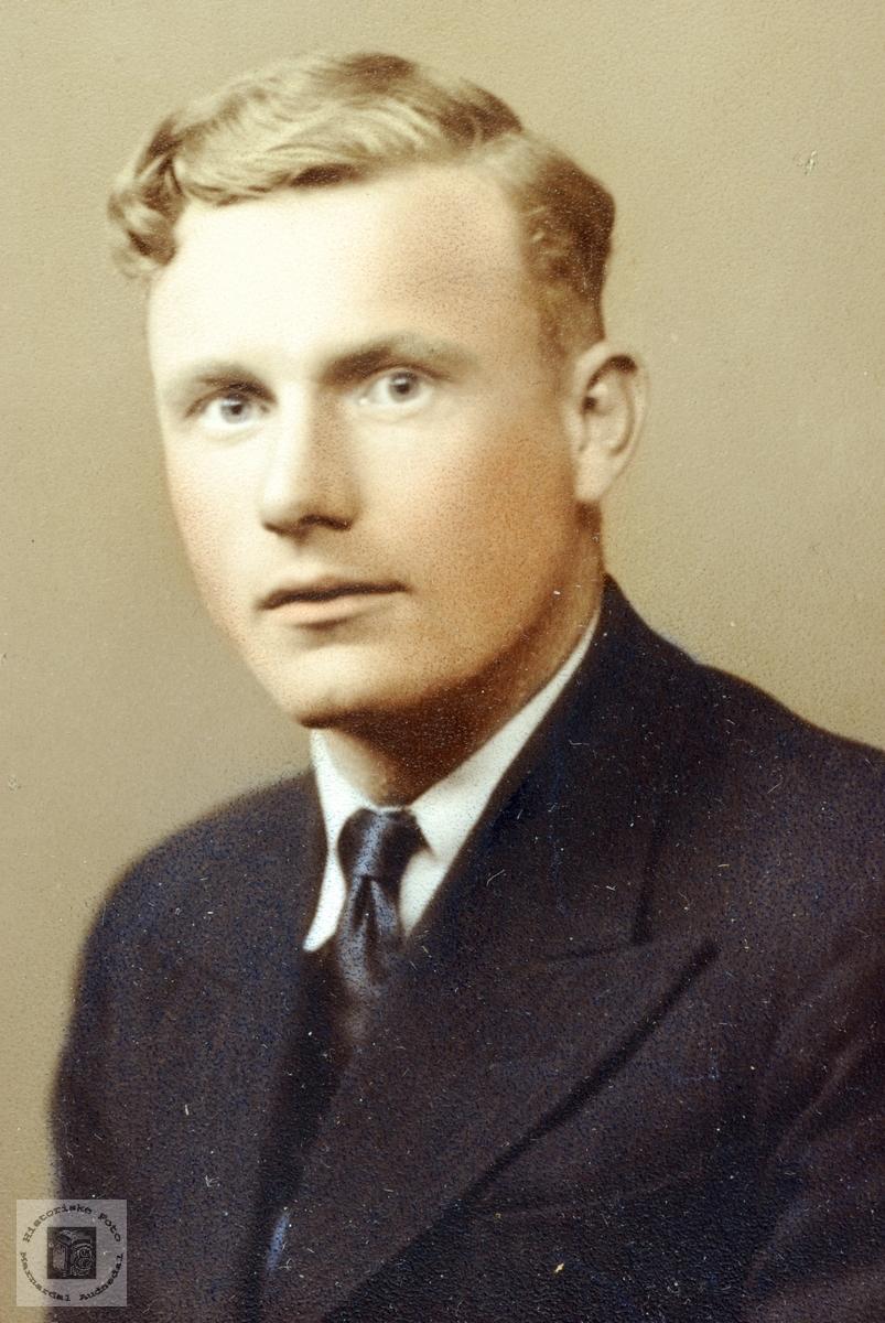 Portrett av Arne Handeland født i Åseral og bosatt på Smedsland i Audnedal.