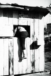 Luka i kiosken kan også brukes som dør. Grindheim Audnedal.