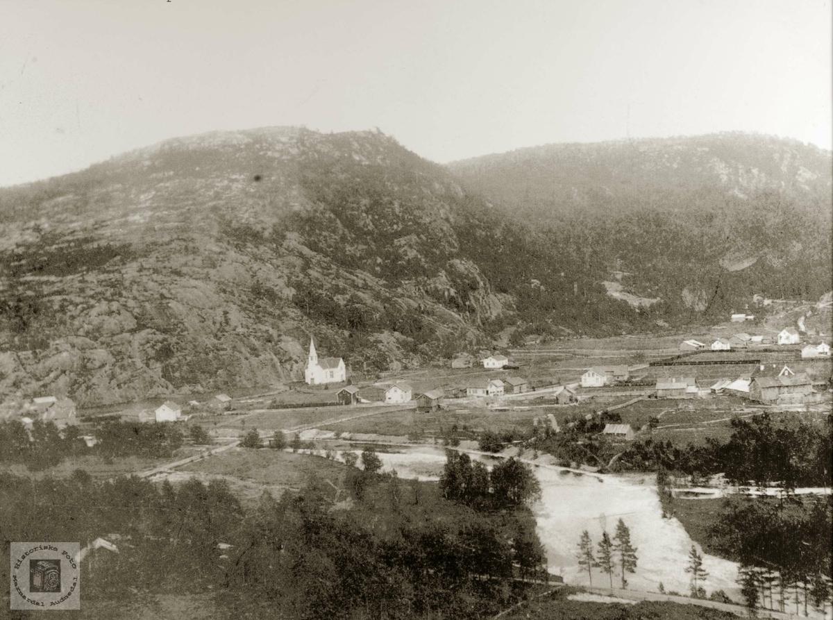 Oversiktsbilde over Konsmo tatt fra vest-sida av dalen. Audnedal.