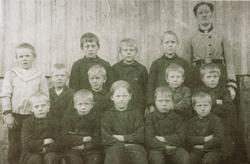 Skolebilde fra Byremo. Grindheim Audnedal.