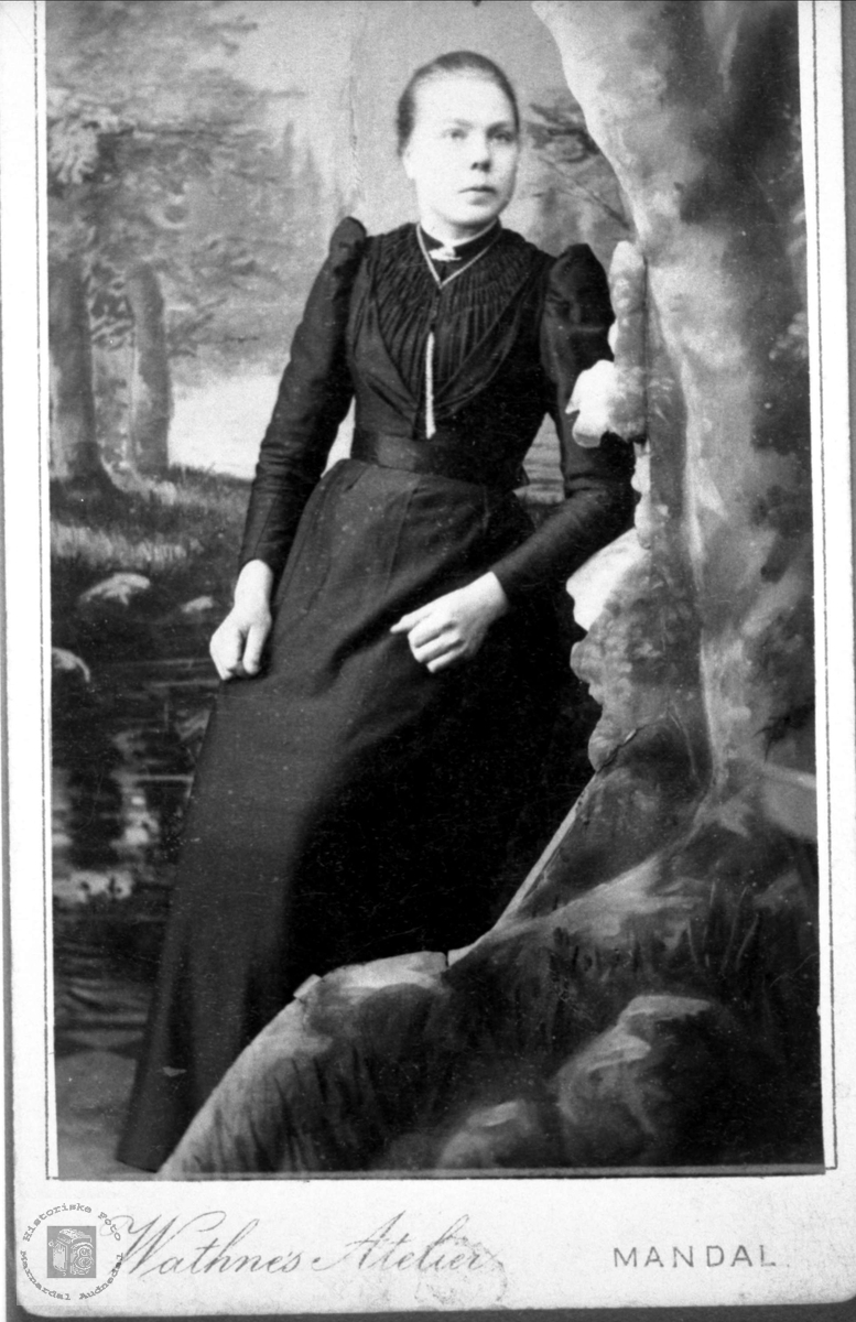 Portrett Asborg Solberg, Bjelland.