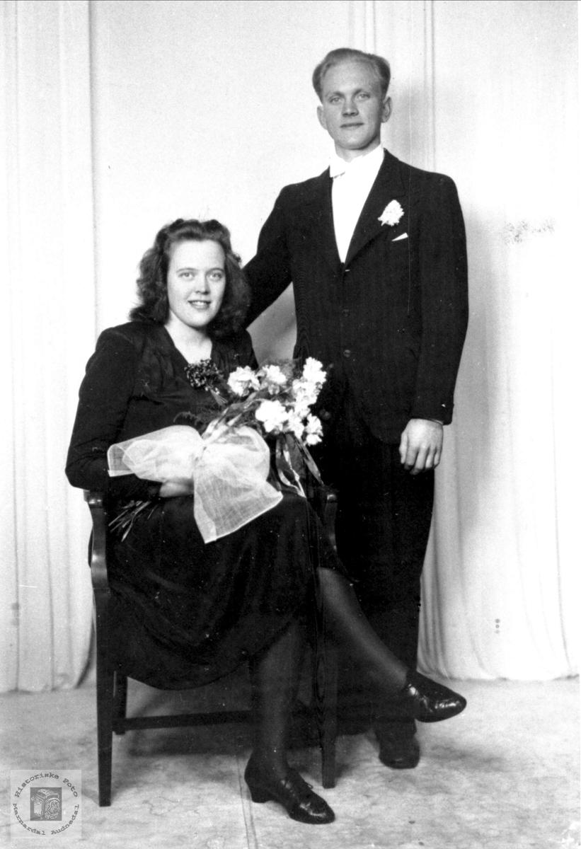 Brudebilde av Lilly og Ola Regevik, Øyslebø.