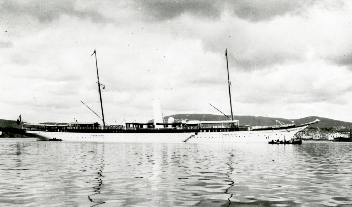 D/Y Atmah (b.1898, Fairfield Shipbuilding & Engineering Co.Ltd., Glasgow)