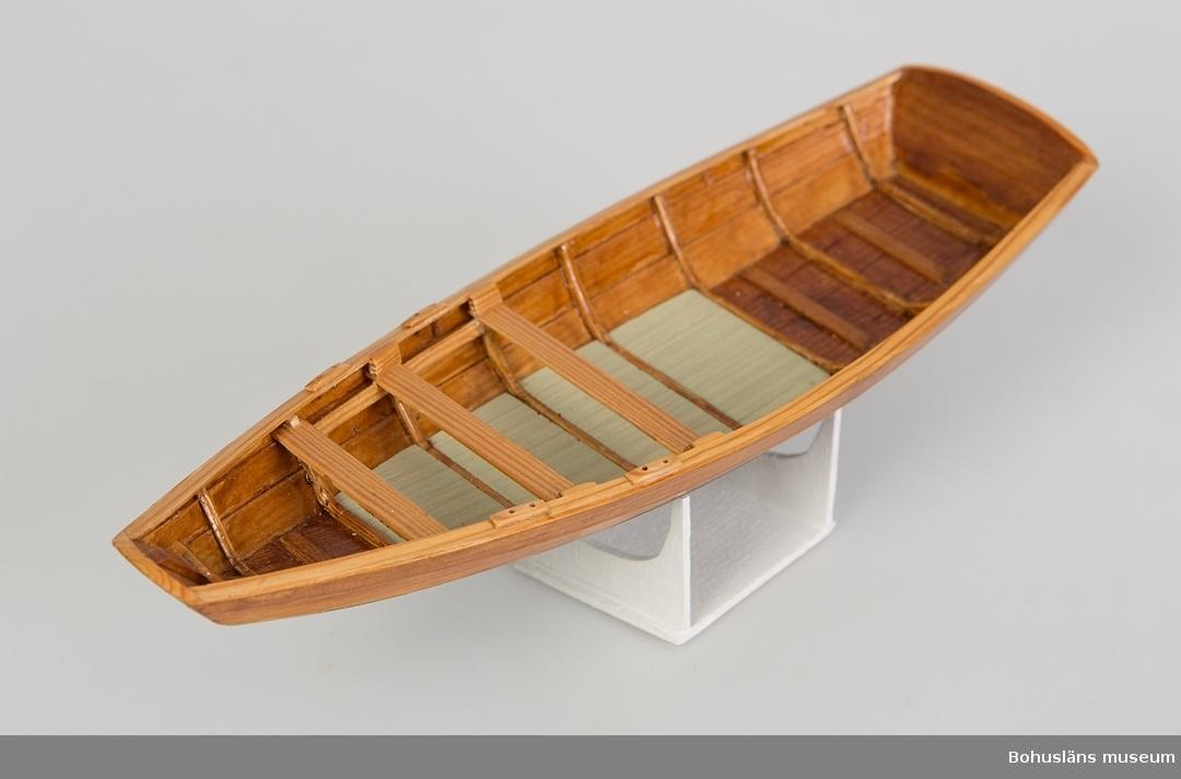 Modell av vadeka från Pinnö, Bohuslän.