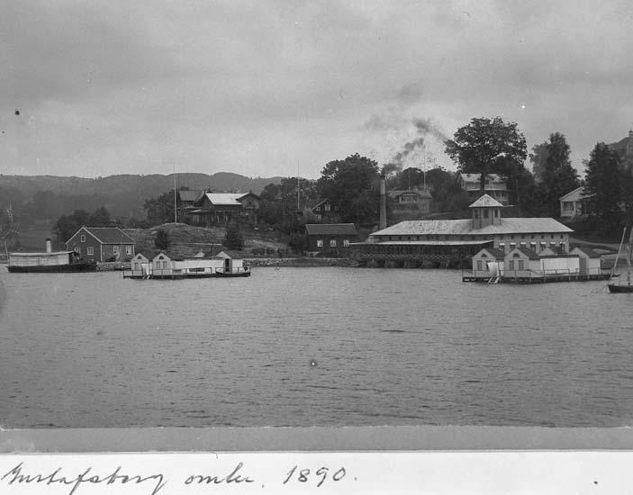 """Text på kortet: """"Gustafsberg omkr. 1890"""".    ::"""