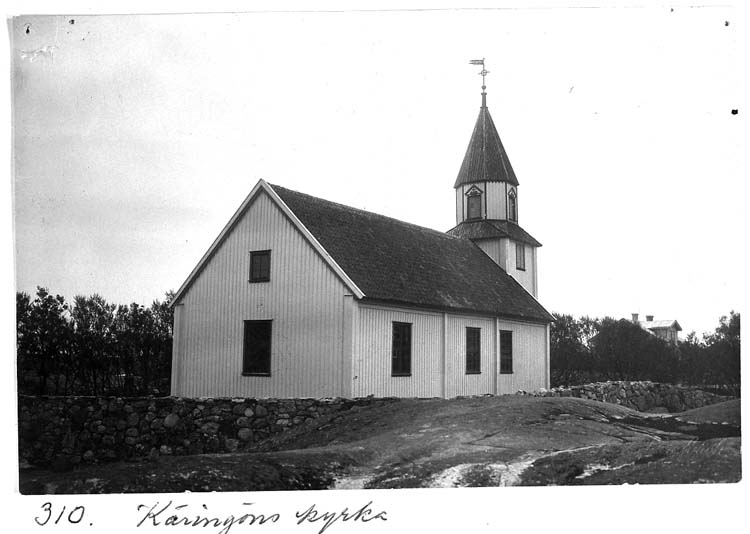 """Text på kortet: """"310. Käringöns kyrka""""."""