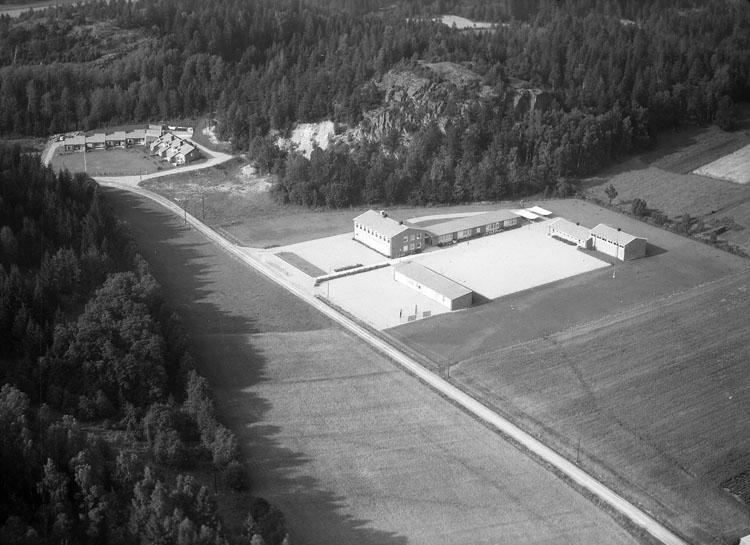 """Enligt AB Flygtrafik Bengtsfors: """"Grohed Forshälla skola Bohuslän""""."""