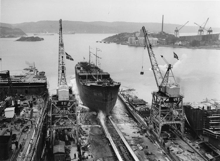 Dop och sjösättning av fartyget 163 M/T Scanthiod.