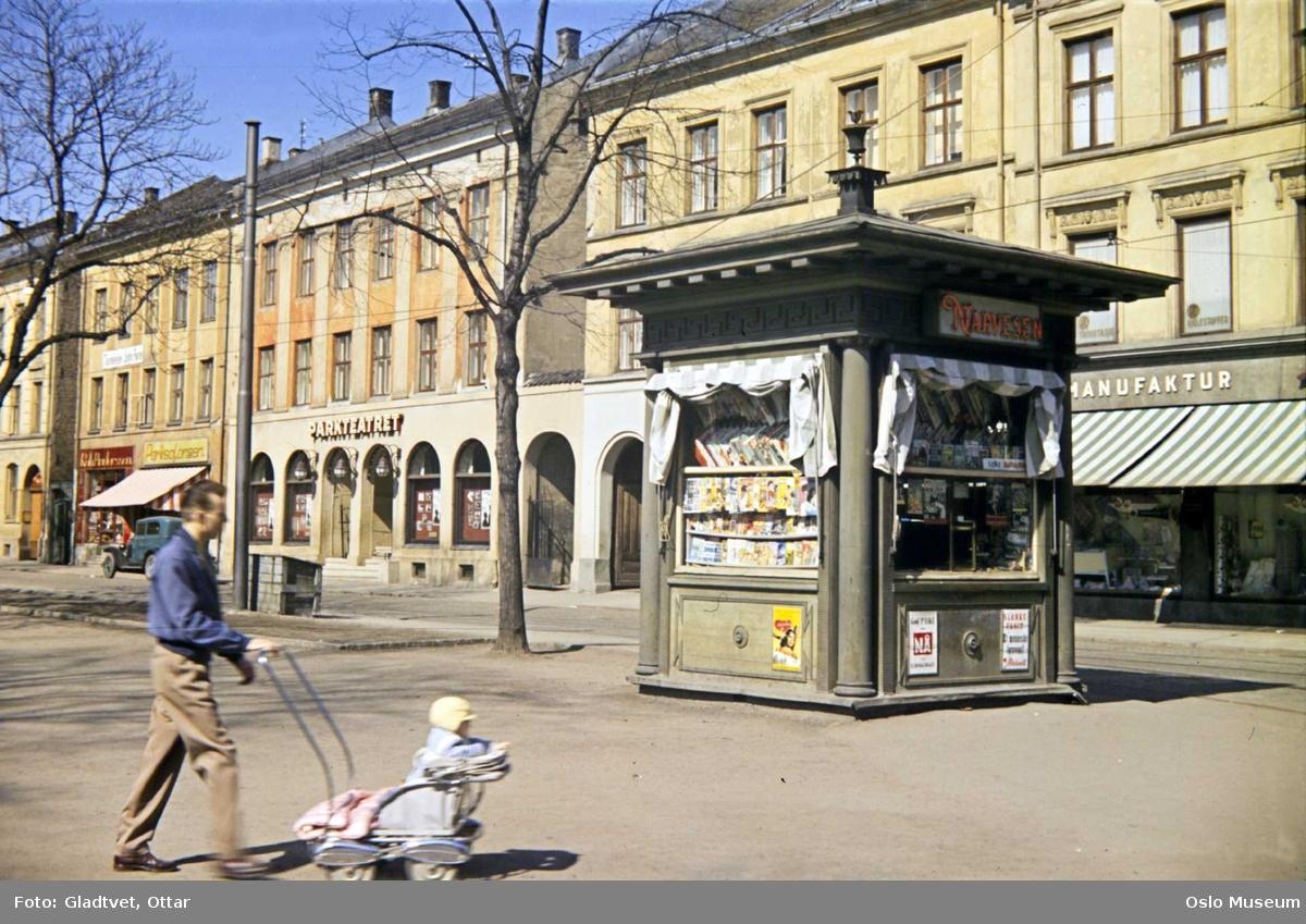 park, Narvesen-kiosk, mann, barnevogn, bygårder, Parkteatret kino