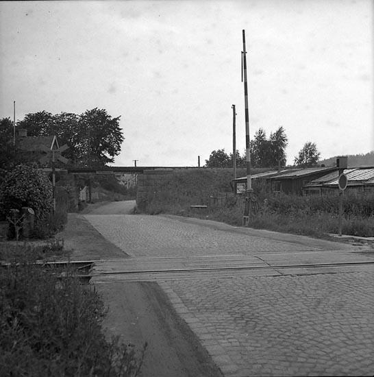 """Enligt notering: """"Vägport vid varvet 23/6 1947""""."""