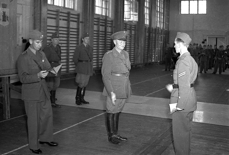 "Enligt notering: ""Regementets Gymnastiksal 3/9 1948""."