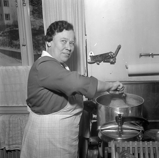 Julstök i köket 1956