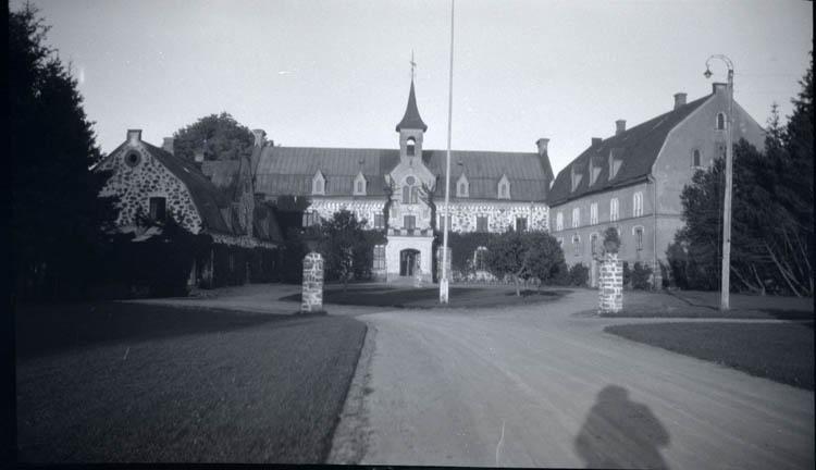 Fröllinge och Varberg. 12 st. Kopierade.