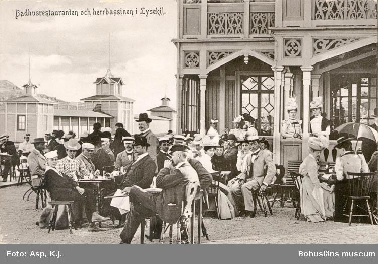 """Tryckt text på kortet: """"Badrestauranten och herrbassinen i Lysekil.""""   ::"""