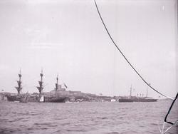 HMS FREJA och HMS DROTT vid Marstrand.