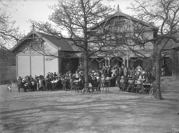 """Enligt fotografens noteringar: """"Pontus Viknerfästen år 1912. Föreläsningsalen."""""""