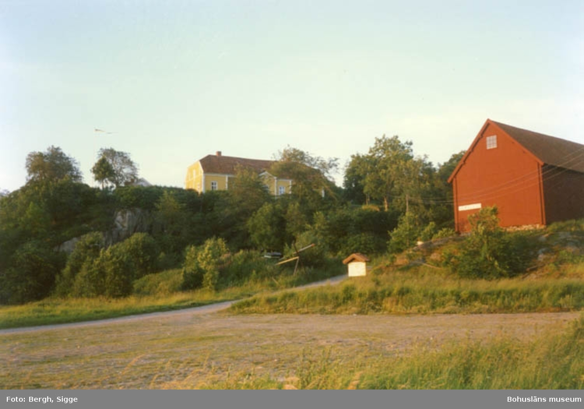 """Enligt text på fotot: """"Åby säteri innan det blev Nordens Ark""""."""