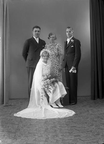 """Enligt fotografens journal nr 6 1930-1943: """"Harry Åkesson Berg, Ödsmål""""."""