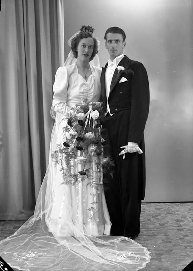 "Enligt fotografens journal nr 7 1944-1950: ""Skoog, Herr Frans, Apleröd, Ödsmål""."