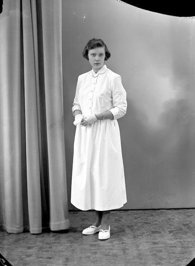 "Enligt fotografens journal nr 8 1951-1957: ""Johansson, Elsie Berg Ödsmål""."