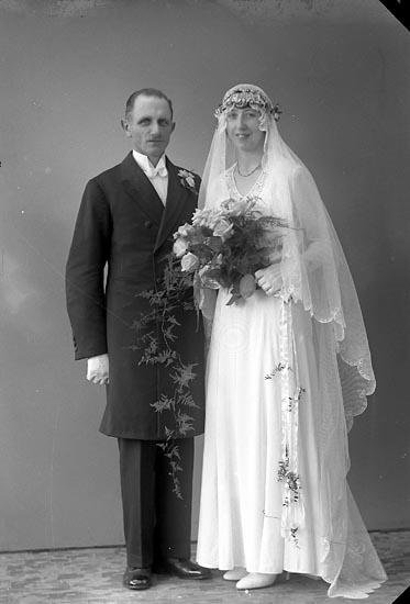 """Enligt fotografens journal nr 6 1930-1943: """"Johansson, Bernt, Korsgård, Ödsmål""""."""