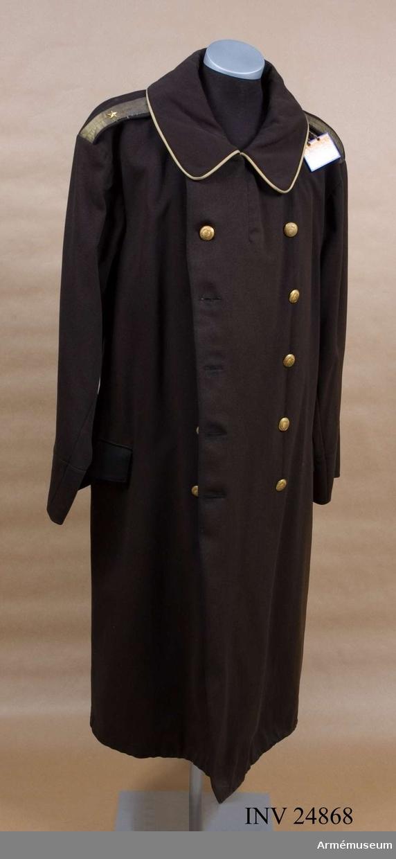 """Grupp C I. Kappa m/1886 för major vid indelta infanteriet, Upplands reg. Knappar för """"I armén kvarstående officerare""""."""