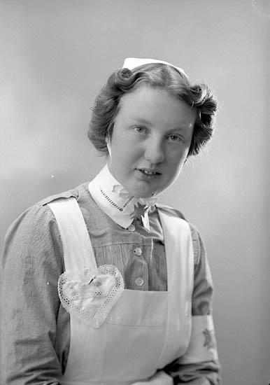 """Enligt fotografens journal nr 6 1930-1943: """"Andersson, Fr. Gerd Stenungsträdgård Här""""."""