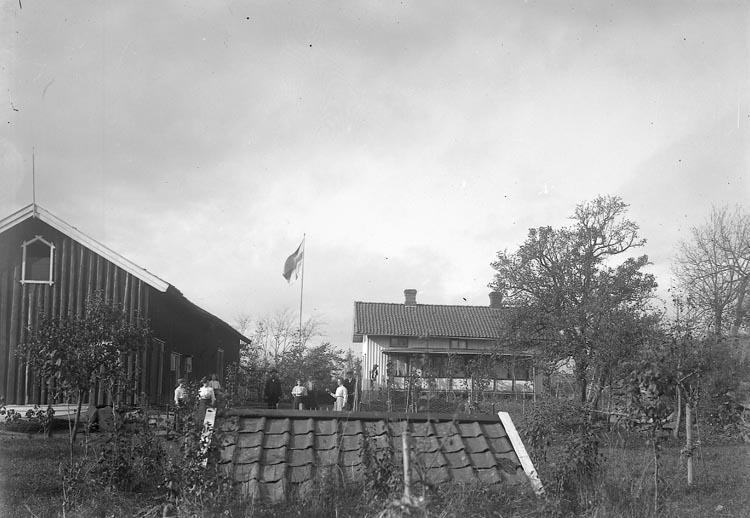 "Enligt fotografens journal nr 2 1909-1915: ""Johansson, O. St. Skår J-da""."