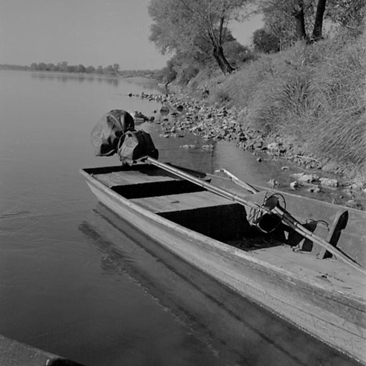 5. Frankrike. Fotojournal finns på B.M.A. + fotoalbum. Samtidigt förvärv: Böcker och arkivmaterial. Foton tagna 1959-10-16. 12 Bilder i serie.