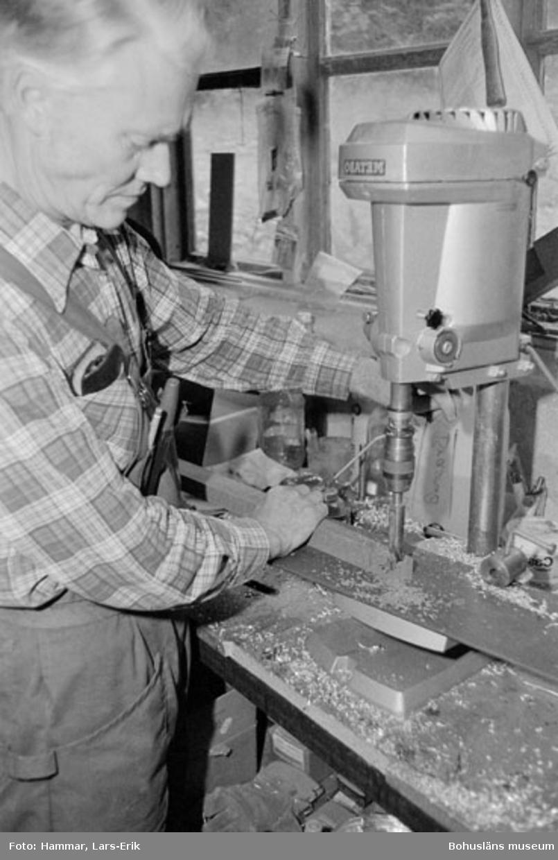 """Motivbeskrivning: """"Widholms industri AB, på bilden syns Tage Granström."""" Datum: 19800911"""
