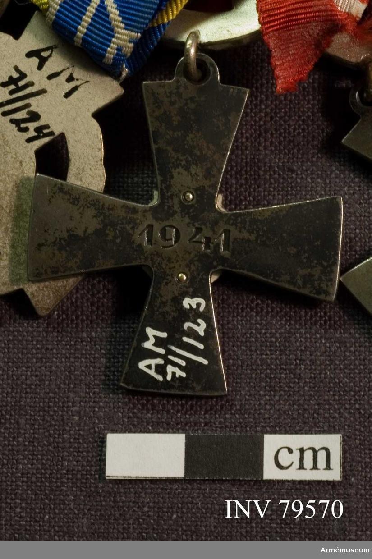 Grupp M II.  Frihetskors, 4 klass, med svärd.