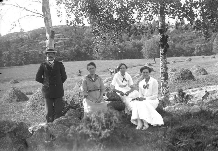 Enl fotografens liggare: Maja Nordström den 23 juli 1916, nr 328-2.