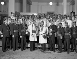 """Uppgift enligt fotografen: """"Uddevalla. Gruppfoto. Brandkåren"""