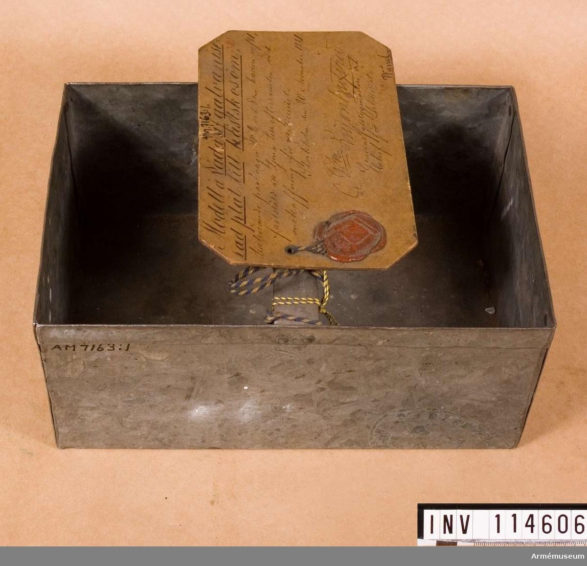 Låda till broddar m/1881